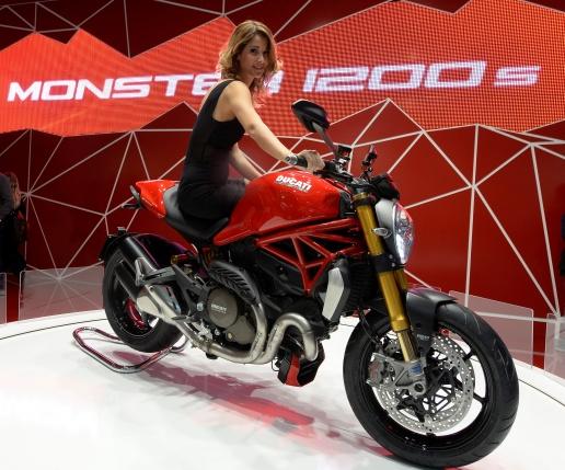 la moto la plus belle du salon de milan est la ducati monster 1200 objectif moto. Black Bedroom Furniture Sets. Home Design Ideas
