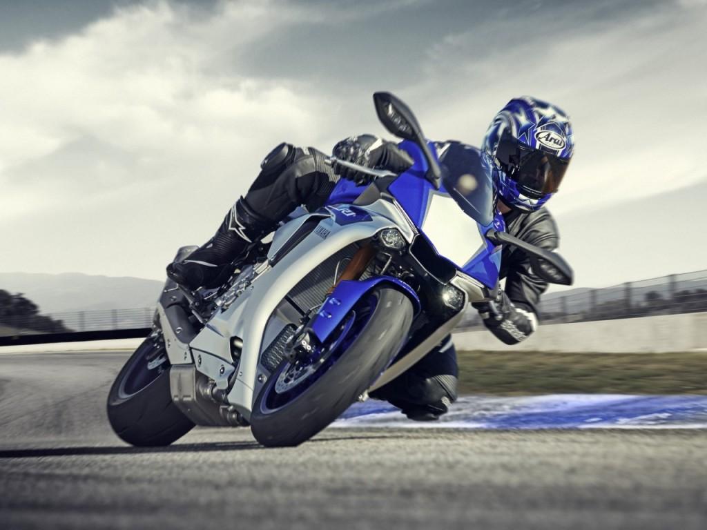 Des Yamaha appétissantes pour 2015 : MT-09 Tracer, R1…
