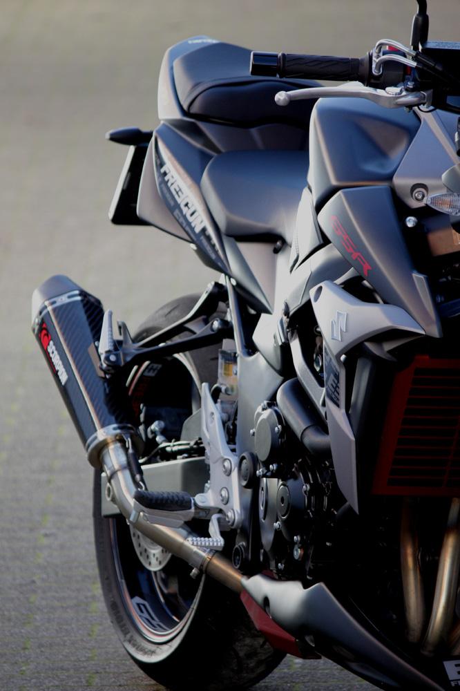 suzuki gsr 750 freegun 2014 objectif moto. Black Bedroom Furniture Sets. Home Design Ideas