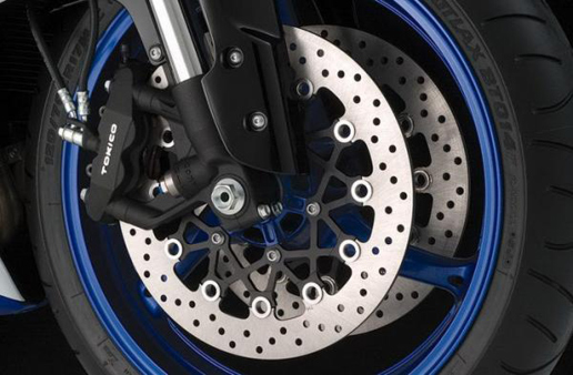 suzuki-gsx-rr-750-frein