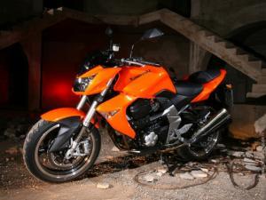 kawasaki-z-1000-orange