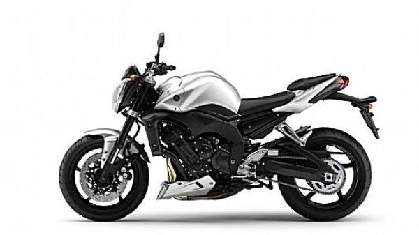 Essai des Yamaha FZ1 ABS & XJR 1300