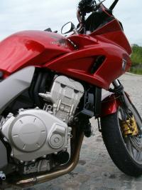 le-moteur-de-la-cbf1000--pas-avare-en-sensation