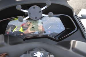 Peugeot Metropolis RS 400 Sartre avait tort.