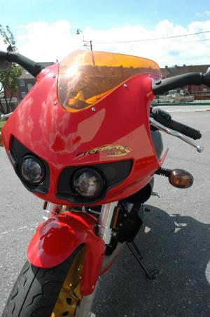 BUELL XB12R Firebolt:  le coffre à jouets