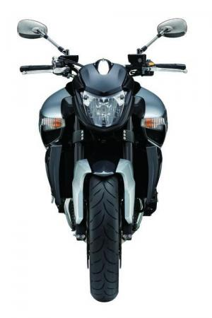 Essai de la Suzuki B-King 2008