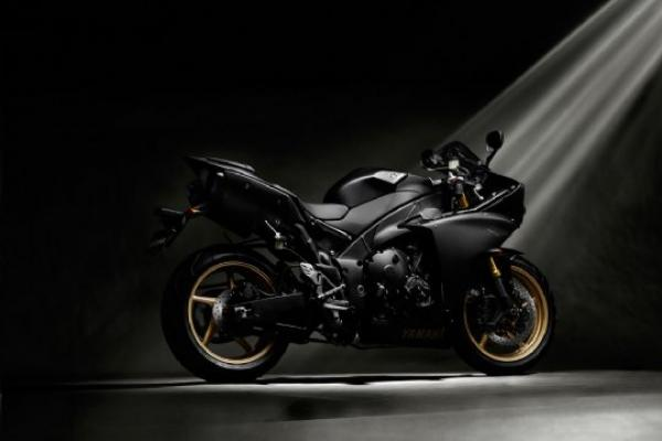 Yamaha R1 Big Bang – 2009