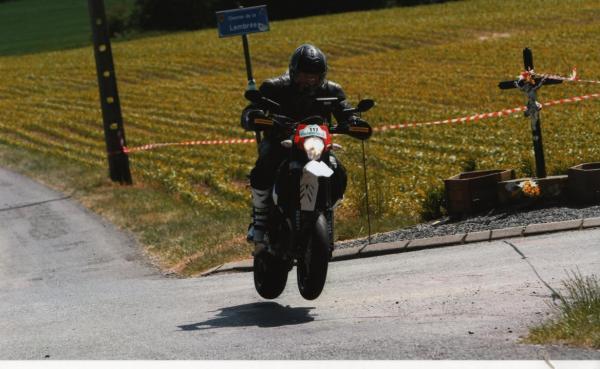 ktm-690-smc-rallye-police-2011