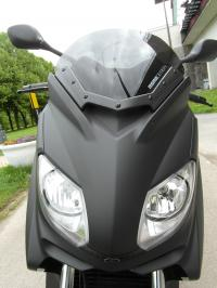 yamaha-x-max-250-momo-design
