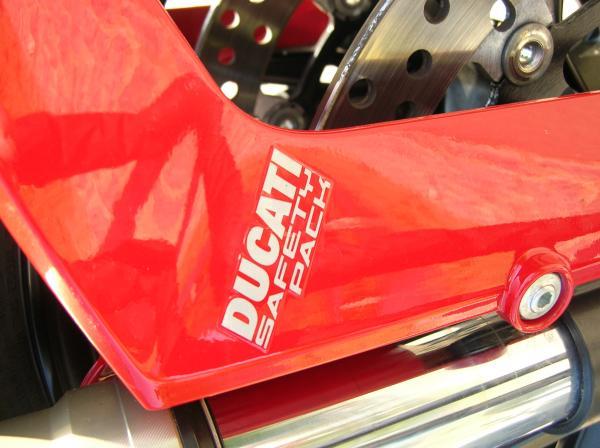 ducati-monster-evo-2011