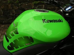 kawazaki-er-n6
