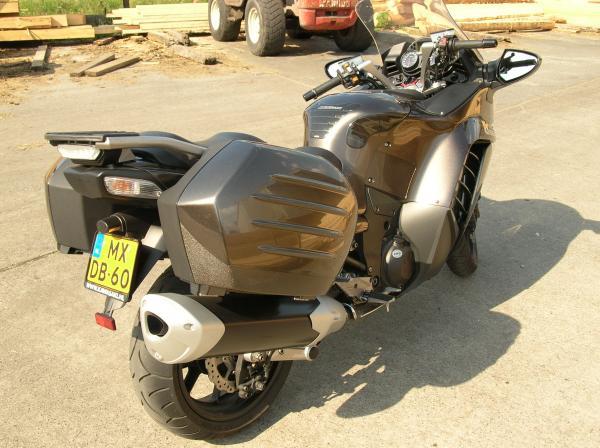 kawazaki-gtr-1400