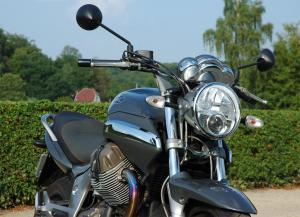 moto-guzzi-breva-1100-abs