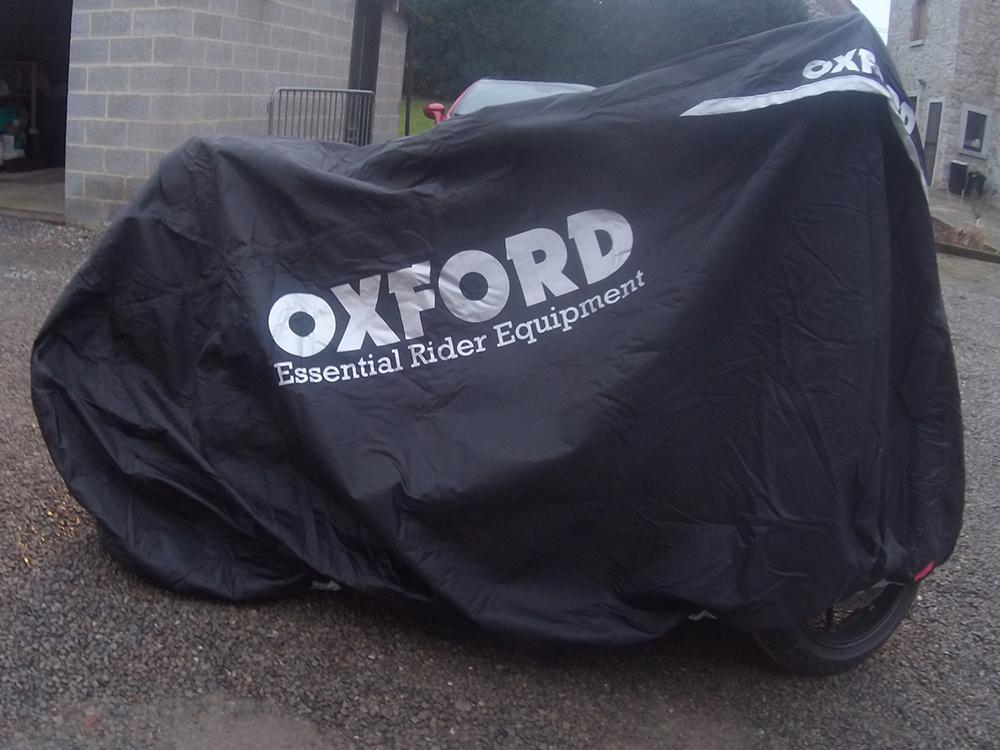 Housse pour moto oxford mad stormex vid o objectif moto for Bache moto exterieur