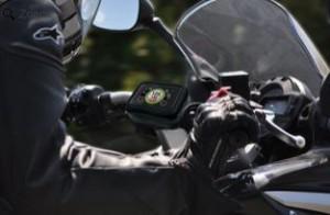 Pack Coyote Rider : 259 € avec housse étanche, supports (un pour guidon tubulaire, un pour non tubulaire comme les scooters) et 6 mois de service compris.