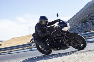 Speed Triple 94 - Jet Black - Riding 1