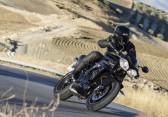 Speed Triple 94 - Jet Black - Riding 4