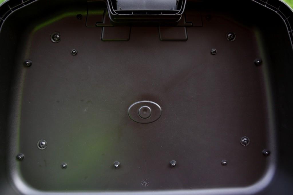Les rondelles souples permettent au KGR de rester étanche après installation du rack supérieur.