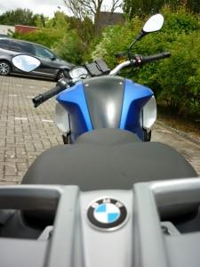 BMW F800R la méchante fille.