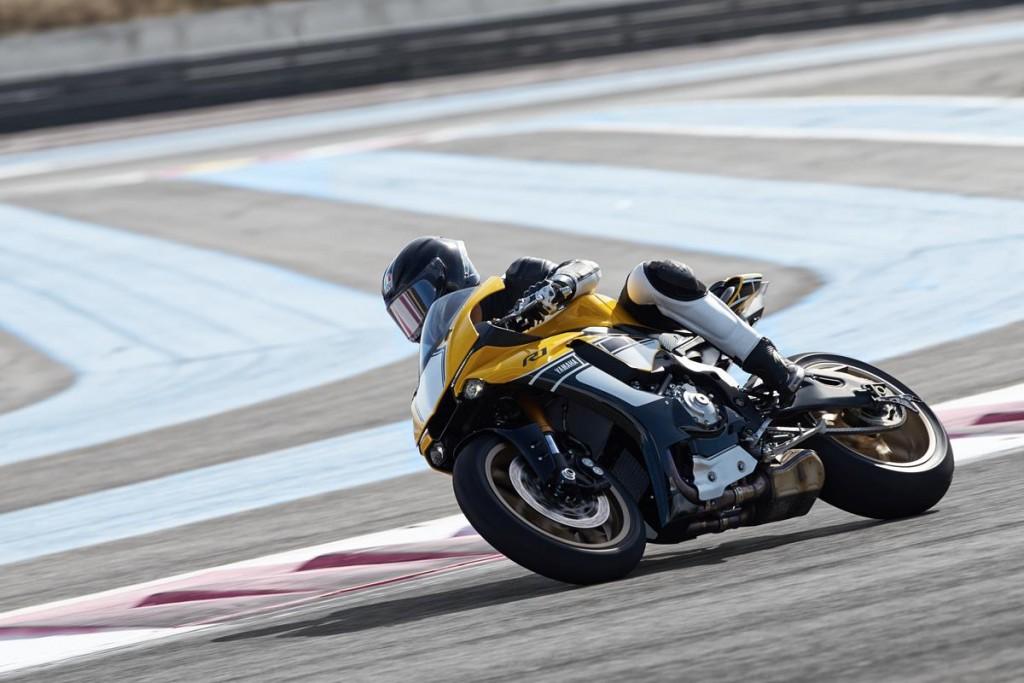 La Yamaha R1M sera produite de nouveau en 2016 et une R1 Anniversary