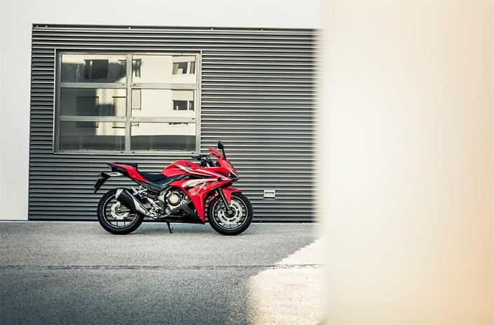 Quelques photos de la nouvelle Honda CBR500R 2016 et de la CRF1000L