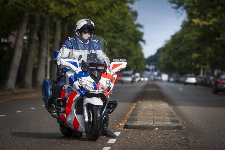Des yamaha version police et arm e objectif moto - Jeux de motos de police ...