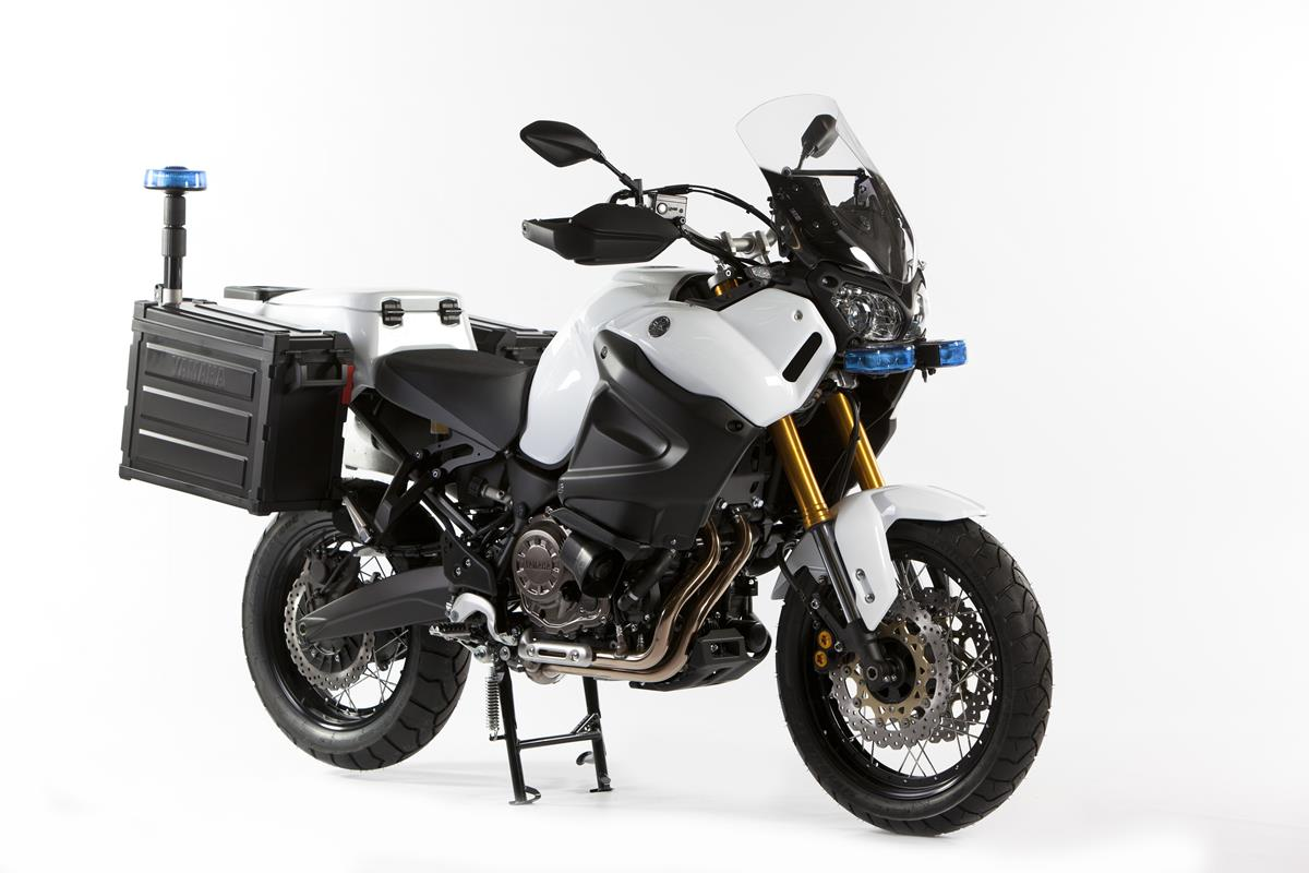 Des Yamaha Version Police Et Armeeon Yamaha Xt 125