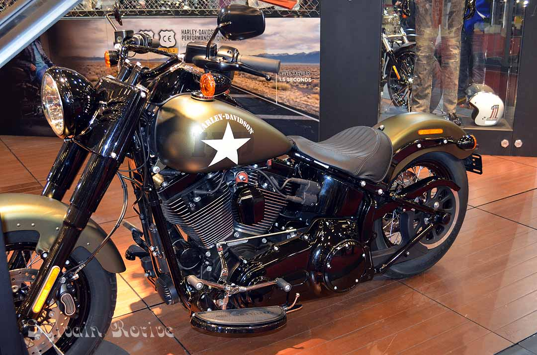 salon de la moto paris 2015162. Black Bedroom Furniture Sets. Home Design Ideas