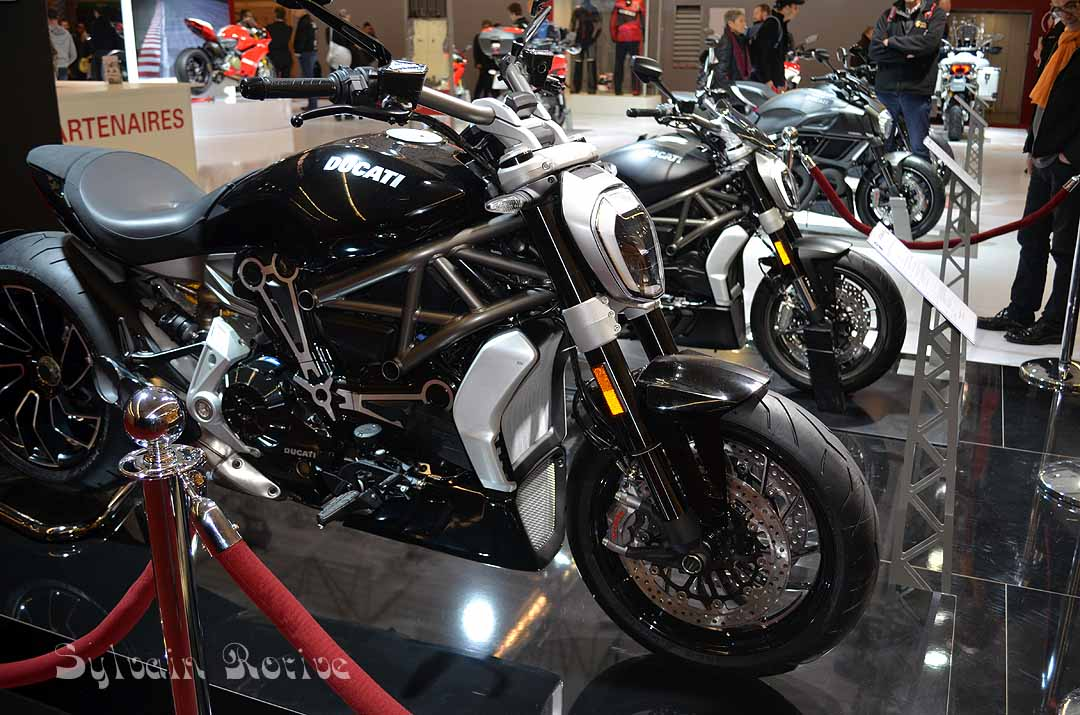 salon de la moto paris 2015201. Black Bedroom Furniture Sets. Home Design Ideas