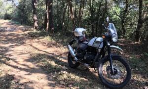 Royal Enfield dévoile une nouvelle moto, l'Himalayan