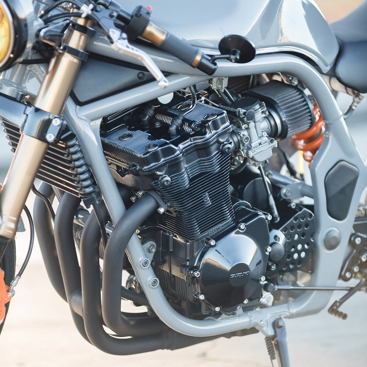Moto Cafe Racer Roule