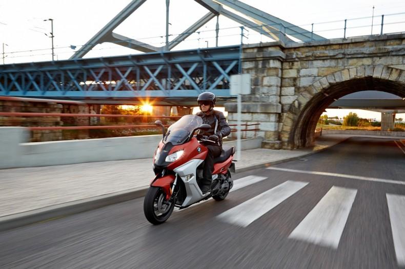 le meilleur concessionnaire bmw motorrad au monde est belge objectif moto. Black Bedroom Furniture Sets. Home Design Ideas