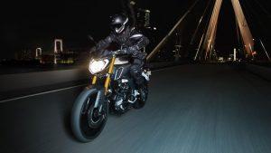 2016-Yamaha-MT125-FR-Matt-Grey-Action-001
