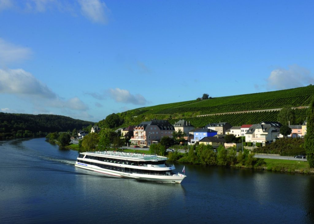 Eh oui, il y a des bateaux de croisière sur la Moselle!