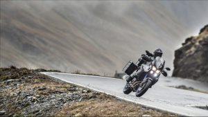 2015-Yamaha-XT1200ZE-Super-Tenere-EU-Race-Blu-Action-004