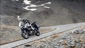 2015-Yamaha-XT1200ZE-Super-Tenere-EU-Race-Blu-Action-006