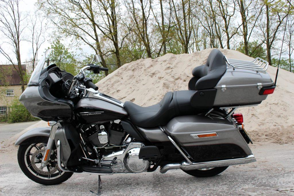 Jim essaie la Harley Davidson Road Glide IMG_6604-1024x682