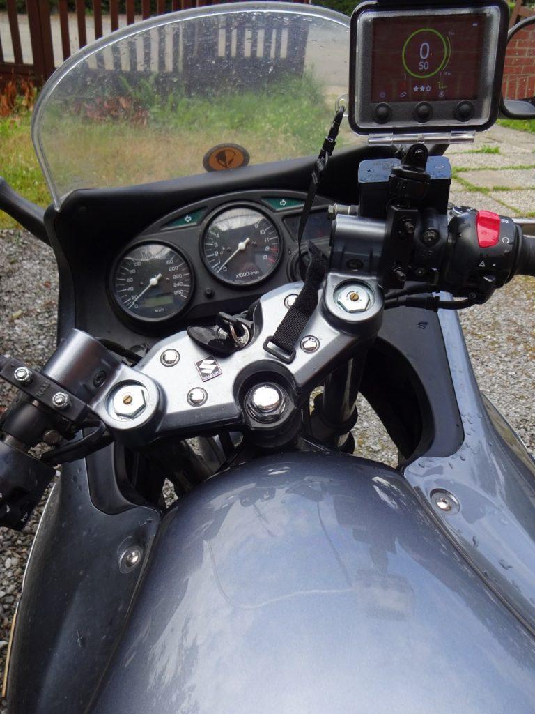 Embarquez votre Mini Coyote sur votre moto !