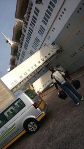 Contrairement à d'autres, les valises KTM sont pratiques à emmener, mais limitées à 30L...
