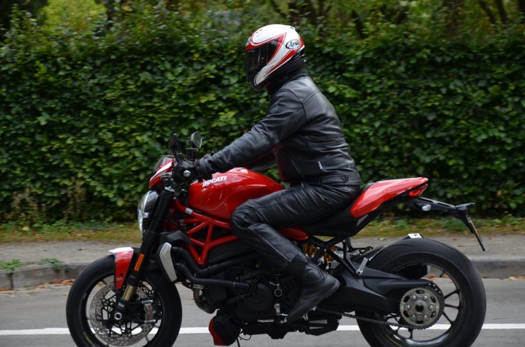 Ducati Monster 1200 R : le roadster des superlatifs.