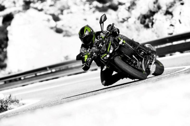 z1000r-action