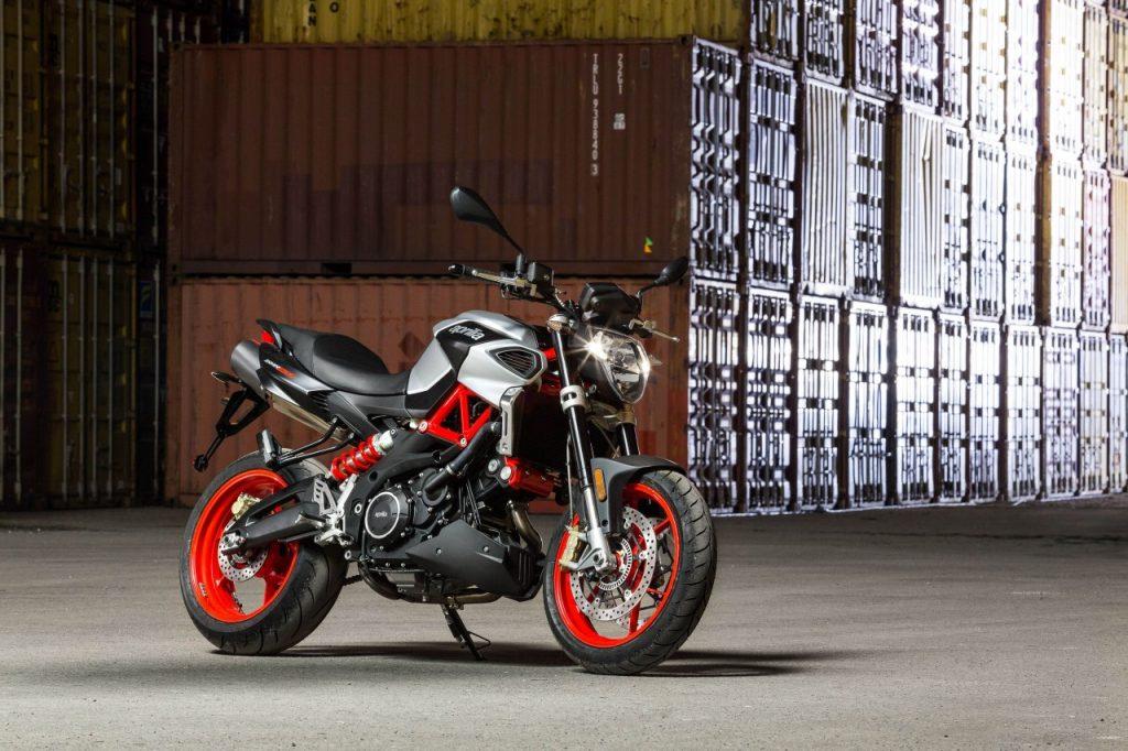 Les nouvelles Moto Guzzi V7 III et Aprilia Dorsoduro 900 et Shiver 900