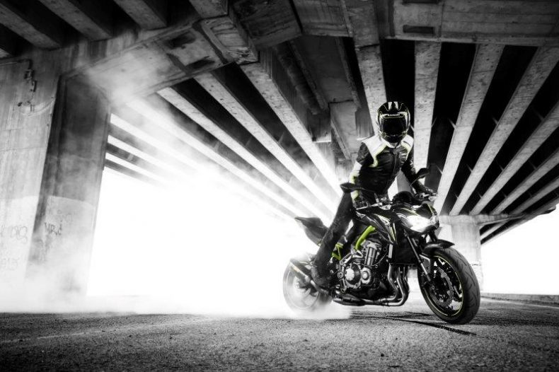 z900-action