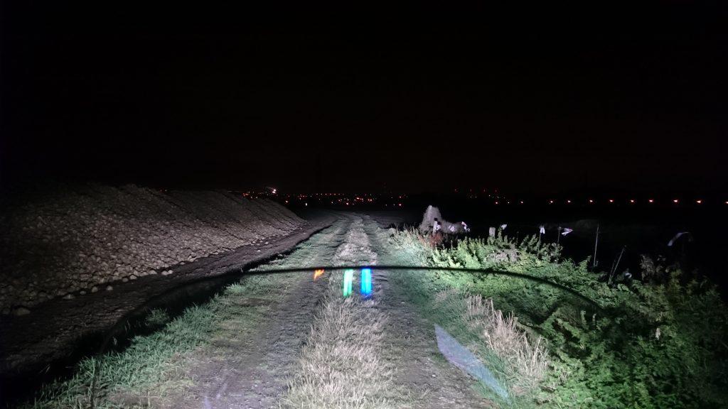 A titre de comparaison, voici ce que donne le full LED d'une FJR 2016 au même endroit