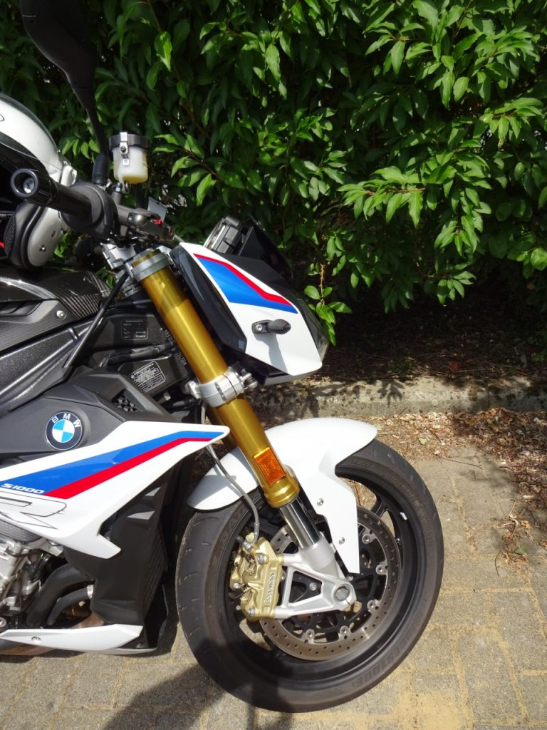 BMW S1000R , pas de quartier !