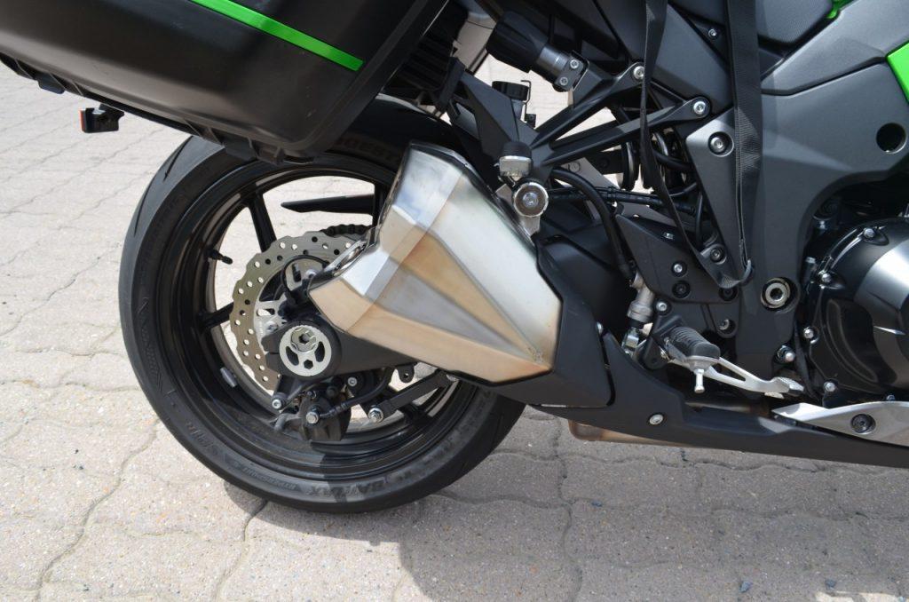Kawasaki Z1000SX madame Hulk