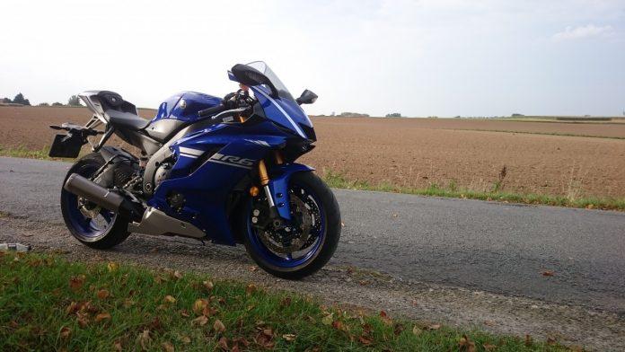 Yamaha R6: l'ère six