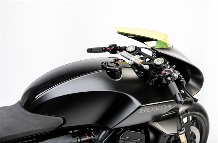 La Honda CB4 Interceptor en quelques images.