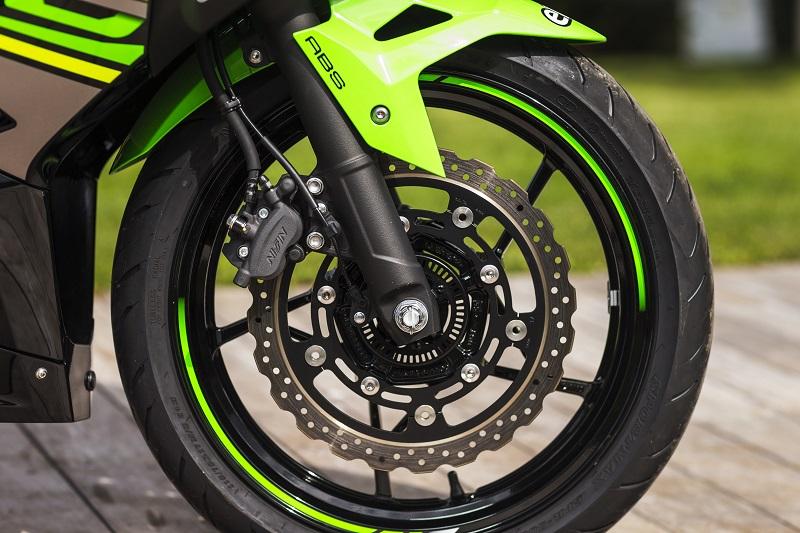 Le sport en A2, oui avec la Kawasaki 400 Ninja