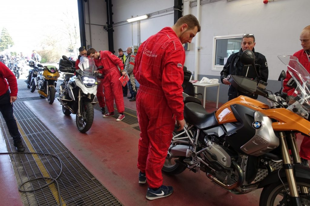 La journée du motard par AWSR et Fedemot
